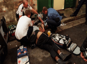 Paramedics using Naloxone to save drug addict